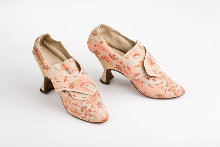 Silk Brocade Pompadour Shoes